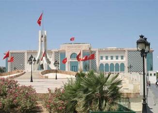 ندوة صحفية لرئيس أركان الجيش البري بتونس