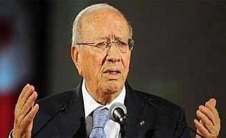 قائد السبسي: ''شكري بلعيد زعيم الثورة ولست نادما على دعم ''الثورة'' الليبية''