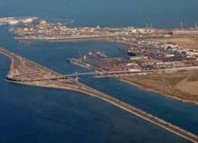 بواخر حربية تابعة لحلف الناتو ترسو في ميناء حلق الوادي اليوم الخميس