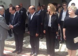 حرم المرزوقي تظهر لأول مرة في موكب رسمي لدى استقبال الرئيس الفرنسي