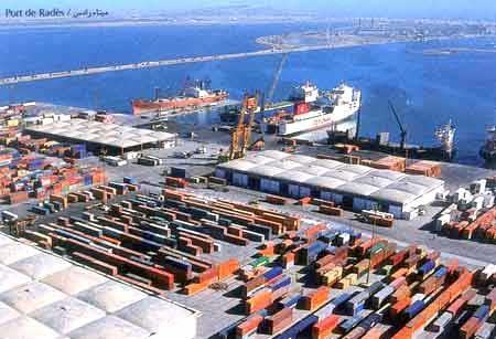 قضيّة حاوية أسلحة ميناء رادس: إحالة ملف المورطين على وح ...