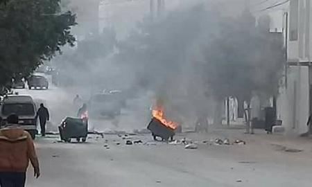 إثر الاحتجاجات الليلية: الداخلية تُؤكد إيقاف 44 شخصا
