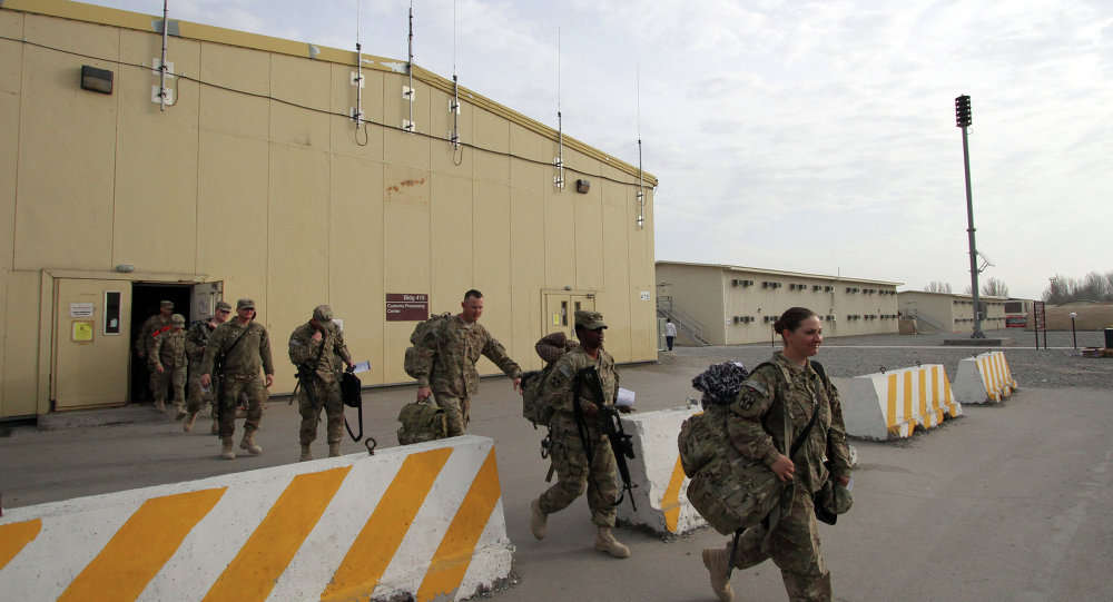 إصابة 11 شخصا بعد فتح طرد مشبوه في قاعدة عسكرية أمريكية