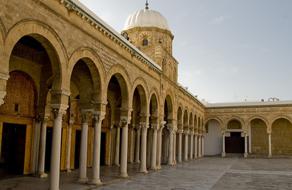 السعودية تقدم هبة لتونس بأكثر من 5.3 مليون دولار لترميم جامع الزيتونة
