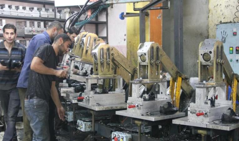تونس- مُصنعو الأحذية يطالبون بمنع توريد الأحذية المستعملة