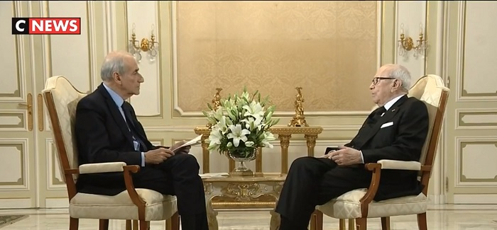 """السبسي:""""ماكرون شريك وصديق لتونس في الاوقات العصيبة """""""