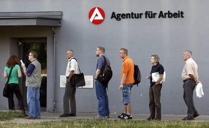 معدّل البطالة في المانيا يتراجع الى مستوى قياسي
