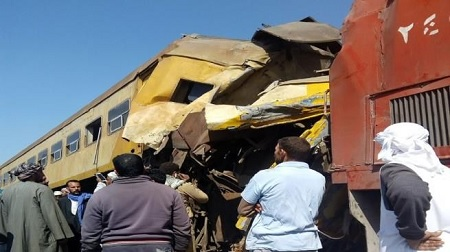 مصر: 20 قتيلا و40 مصابا في حادث تصادم قطارين
