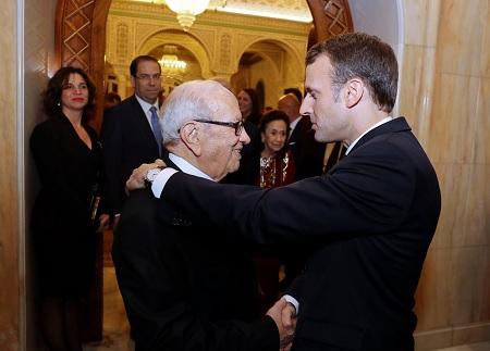 السبسي يلتقي الرئيس الفرنسي ماكرون (فيديو)