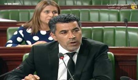 نائب بالبرلمان يدعو لعدم صرف أجور أساتذة التعليم الثانوي