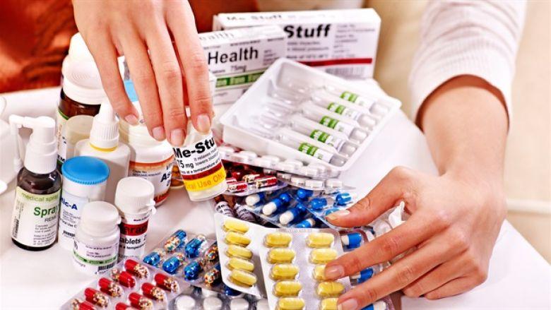 """وزير الصحة: """"عناصر في أجهزة الدولة متورطة في تهريب الأدوية"""""""