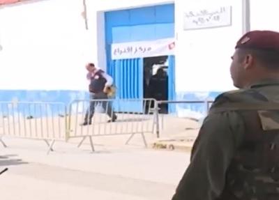 """انتخابات بلدية :""""الامنيون و العسكريون يدلون باصواتهم"""