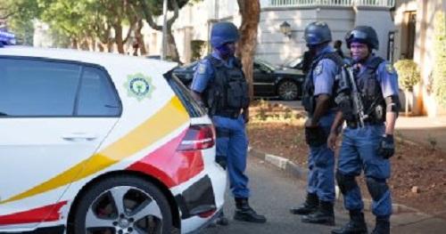 مقتل 3 أشخاص في هجوم على مسجد بجنوب أفريقيا