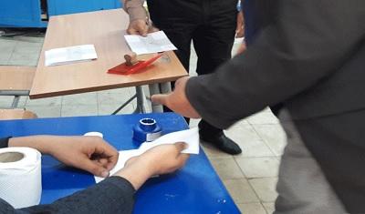 تواصل عمليات فرز أصوات الناخبين في الانتخابات البلدية