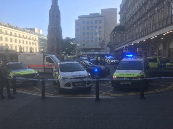 لندن: إخلاء محطة للقطارات واعتقال رجل ادعى حمل قنبلة