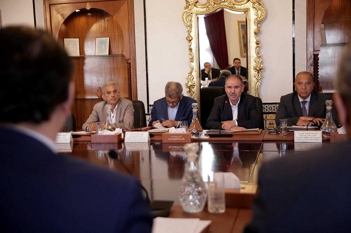 إنطلاق مفاوضات الزيادة في أجور القطاع العام