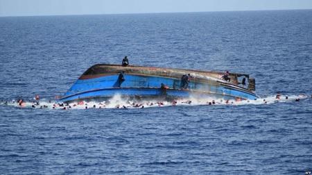 انتشال 37 جثة في حادث غرق مركب للمهاجرين بقرقنة