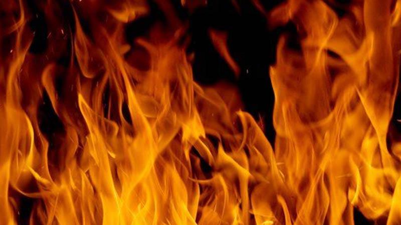 حريق بمصنع الملابس المستعملة بالقلعة الكبرى