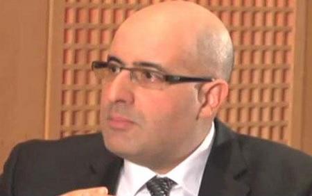 """خبير اقتصادي: """"تواتر الإقالات يُضعف الموقف التونسي في ما يتعلق بالإقتراض"""""""