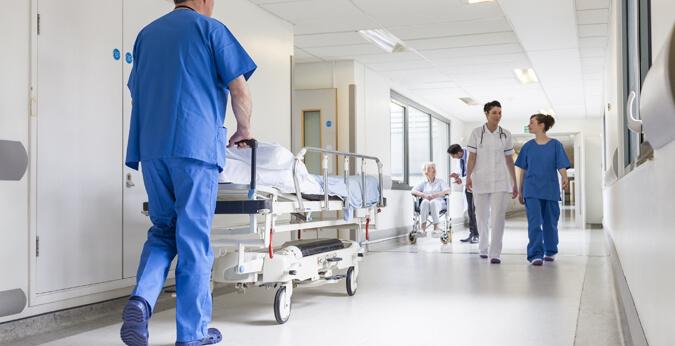 ايقاف قرار الزيادة في تعريفة العمليات الجراحية بالمصحات الخاصة