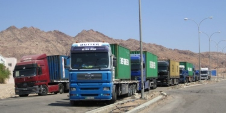 الغرف النقابية للنقل الدولي للبضائع تؤجل الاضراب الذي كان مُقررا تنفيذه اليوم