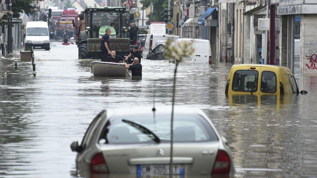 7 قتلى في فيضانات بفرنسا