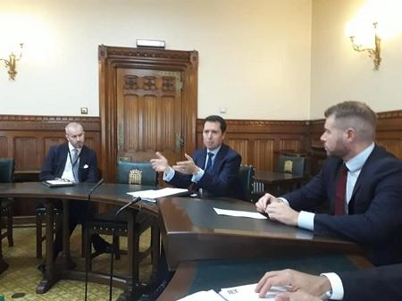 في لقائه بمستثمرين أجانب:الفرياني يُؤكد أنّ تونس وجهة إستثمارية آمنة