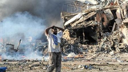 ارتفاع عدد قتلى تفجيرين في جنوب الصومال إلى 20