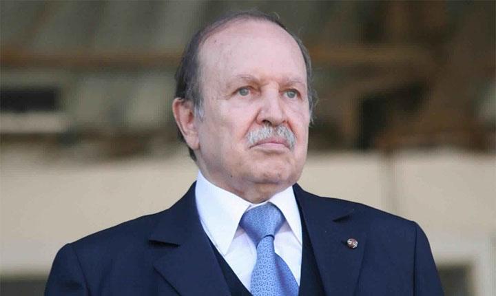 الحزب الحاكم في الجزائر يقرّر حل مؤسساته وهياكله