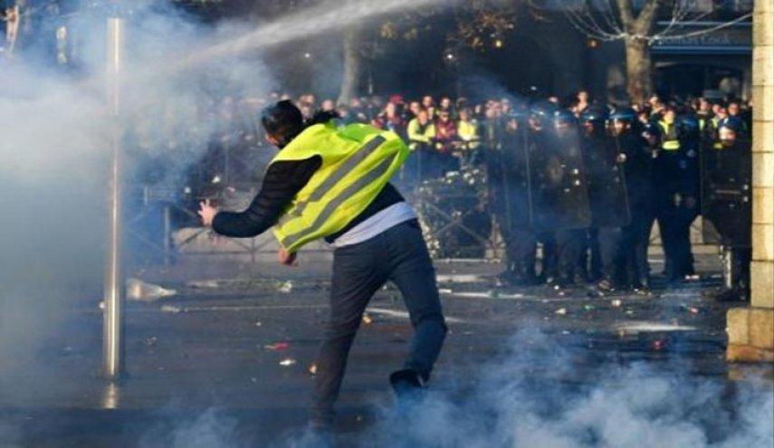 فرنسا: أكثر من 400 جريح في احتجاجات ضد رفع أسعار الوقود
