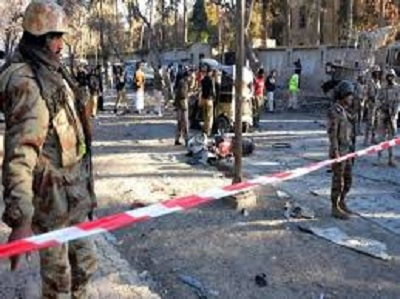 مقتل 25 شخصا في تفجير انتحاري شمال باكستان