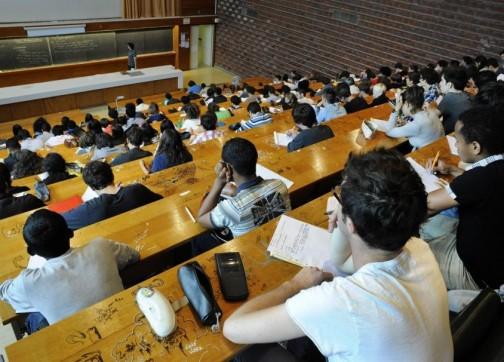 يهمّ الطلبة الجدد:فتح باب الترشحات للحصول على منحة الإدماج الجامعي