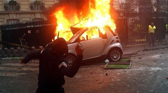 """فرنسا: اجتماع حكومي طارئ لاحتواء """"السترات الصفراء"""""""