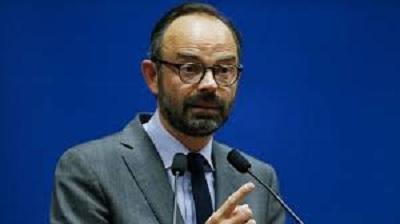 الحكومة الفرنسية تعلق الزيادة في المحروقات