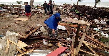 """ارتفاع حصيلة ضحايا """"تسونامى"""" فى أندونيسيا إلى 222 قتيلا"""