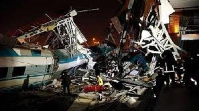 9 قتلى في حادث اصطدام قطار في أنقرة