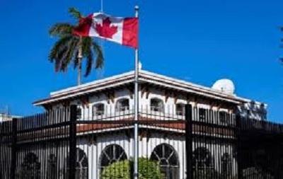 كندا تسحب نصف دبلوماسييها من كوبا