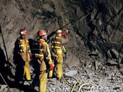 مقتل 30 شخصا في انهيار نفق بشمال أفغانستان