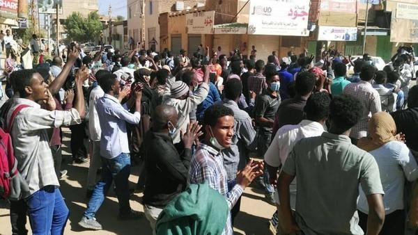 السودان: اعتقال أكثر من 800 شخص خلال الاحتجاجات