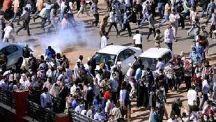 السودان: مقتل 3 محتجين في مظاهراتأم درمان
