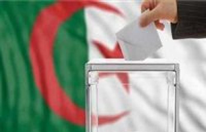 الجزائر تعلن إجراء الانتخابات الرئاسية في 18 أفريل القادم
