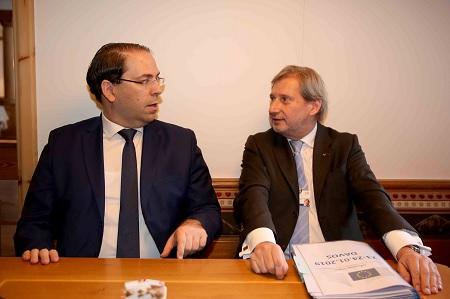 إثر لقائه بالشاهد:جوهانس هاهن يُعلن تخصيص 305 مليون أورو لفائدة تونس