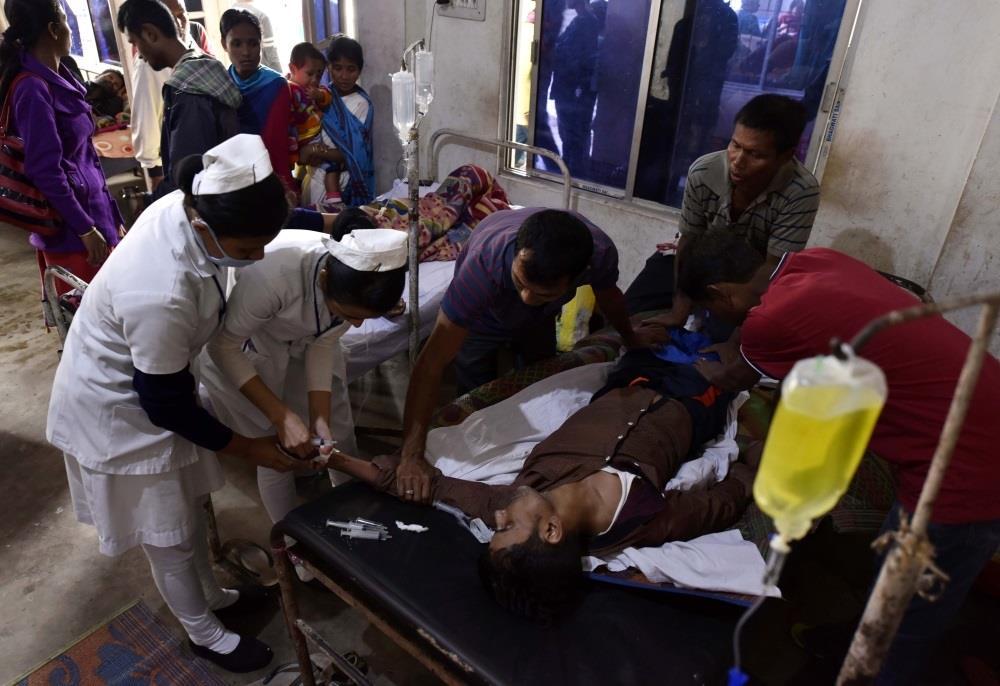 وفاة 84 هنديا بسبب الخمور المغشوشة