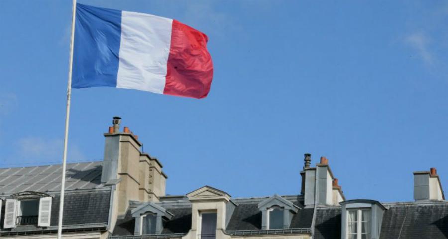 فرنسا تستدعي سفيرها في إيطاليا