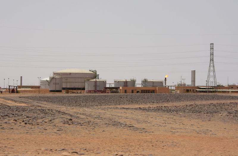 قوات شرق ليبيا تعلن السيطرة على حقل الفيل النفطي