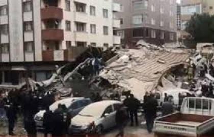 انهيار مبنى من 7 طوابق في تركيا