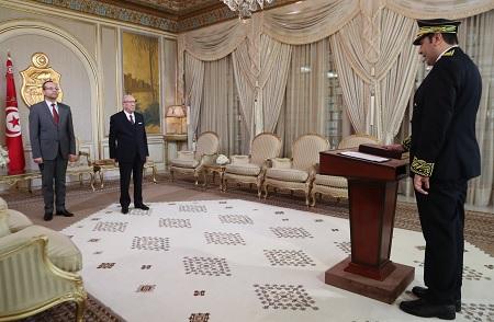 والي توزر الجديد يُؤدي اليمين أمام رئيس الجمهورية