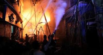 مقتل 70 شخصا جرّاء حريق في بنغلادش