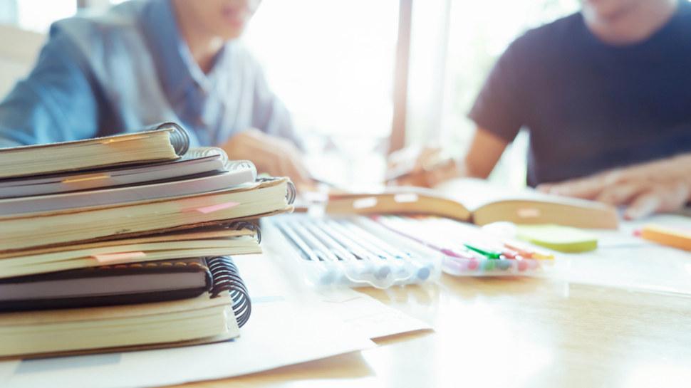 تفعيل إجراءات الإيقاف الفوري لكلّ من يقدّم دروسا خصوصية