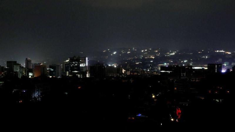 فنزويلا تغرق في الظلام